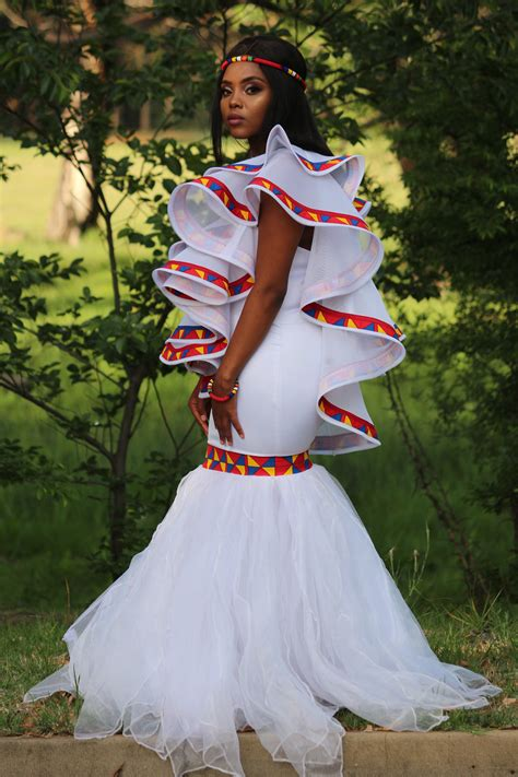 Tomi R Traditional wedding dress – Tomi R Creations