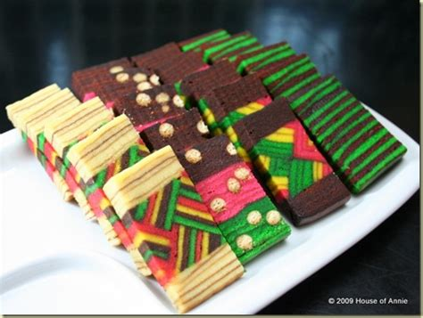 Foodbuzz 24, 24, 24: The Making of a Sarawak Layer Cake