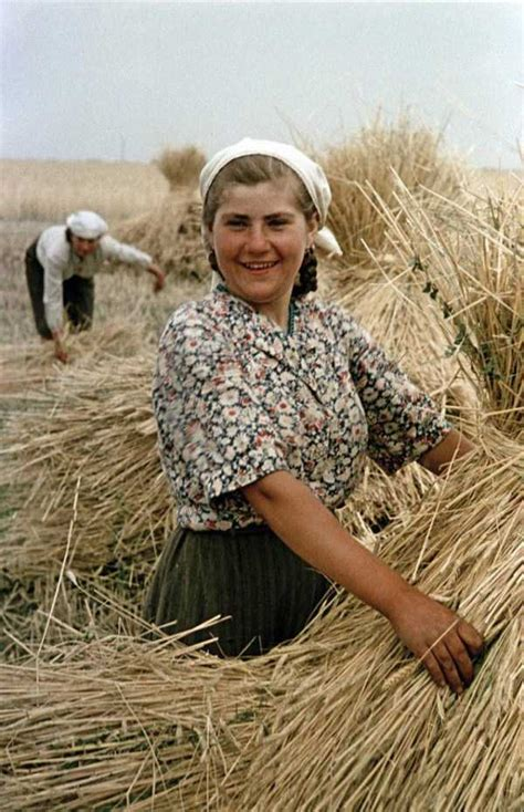 Rare Color Photos of Everyday Life in the Soviet Union in